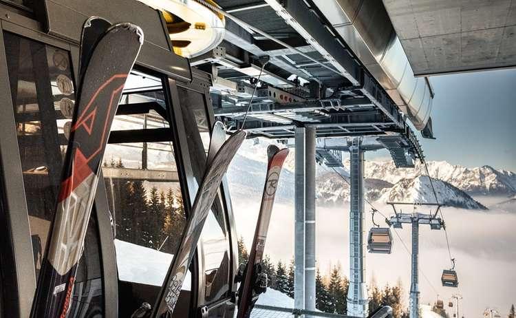 Gondel Mit Ski