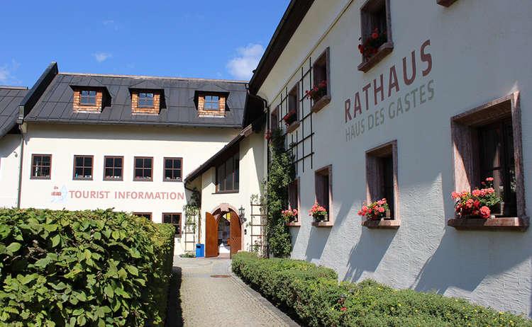 Haus Des Gastes Tourist Information Schoenau Am Koenigssee