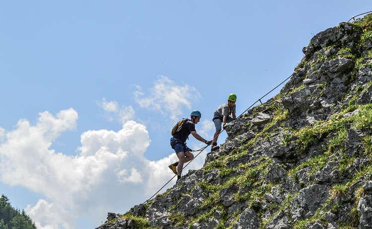 Kurz unterhalb des Gipfel im Jenner Klettersteig