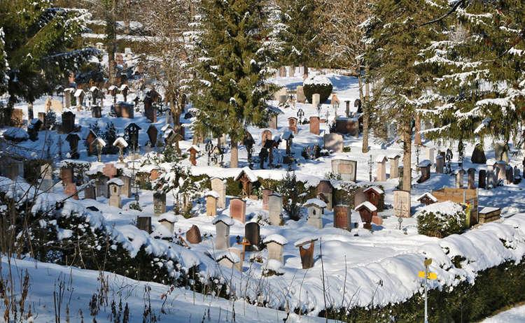 Winter am Bergfriedhof