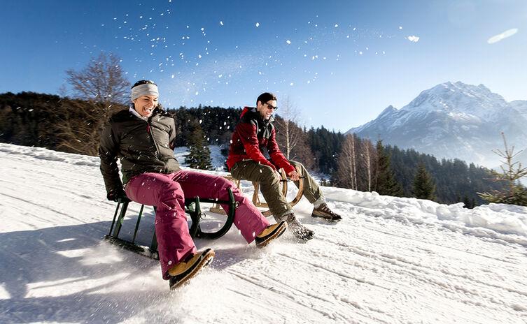 Schlittenfahren Rodeln Winter