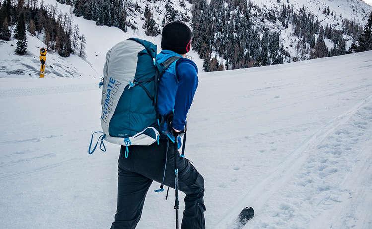 Beim Skitouren Aufstieg auf der Piste gelten besondere Regeln