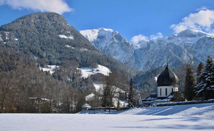 Startpunkt der Winterwanderung: Der Friedhof